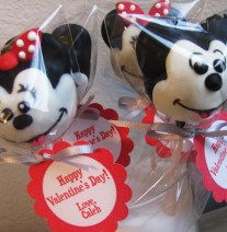 Mickey Mouse and Minnie Mouse Cake Pops