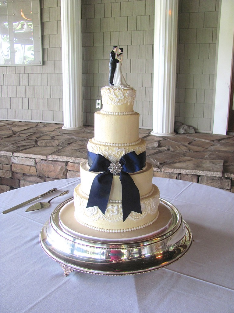 Ivory Buttercream Wedding Cake