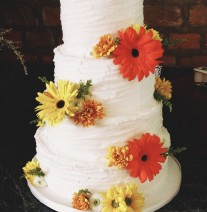 Buttercream Wedding Cake with Daisies