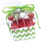 Christmas cake pop arrangement