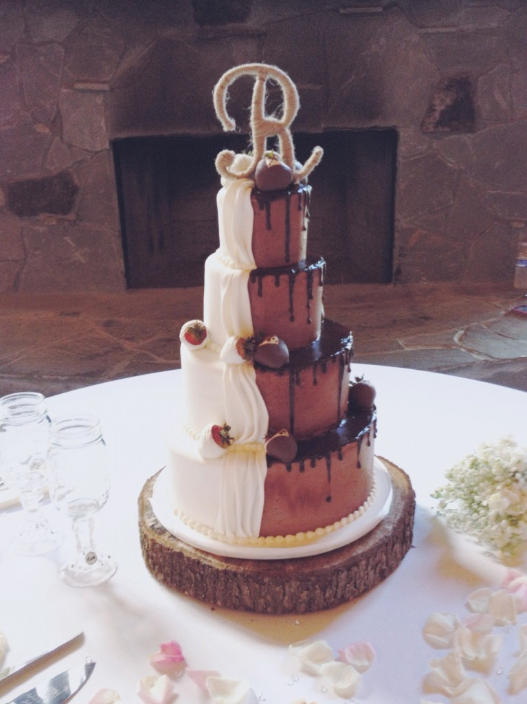 Half Chocolate Half Vanilla Wedding Cake