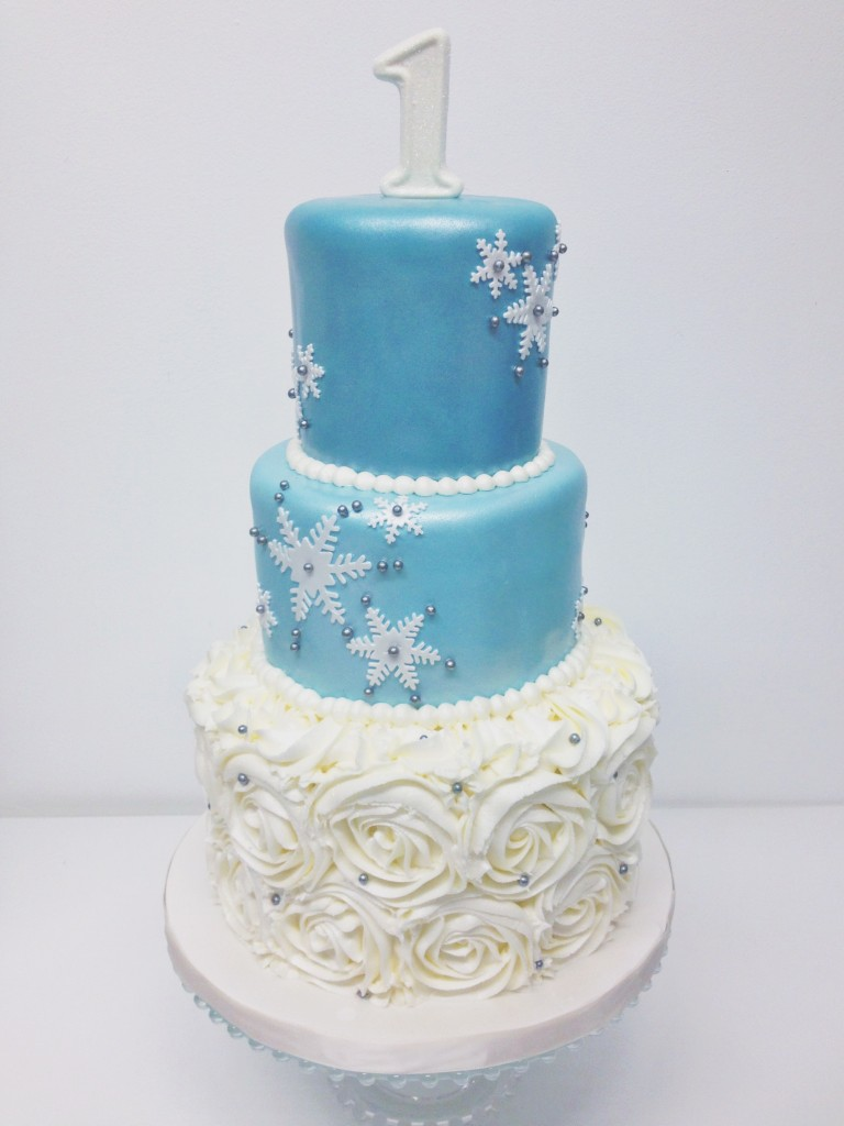 Blue and White Winter Cake