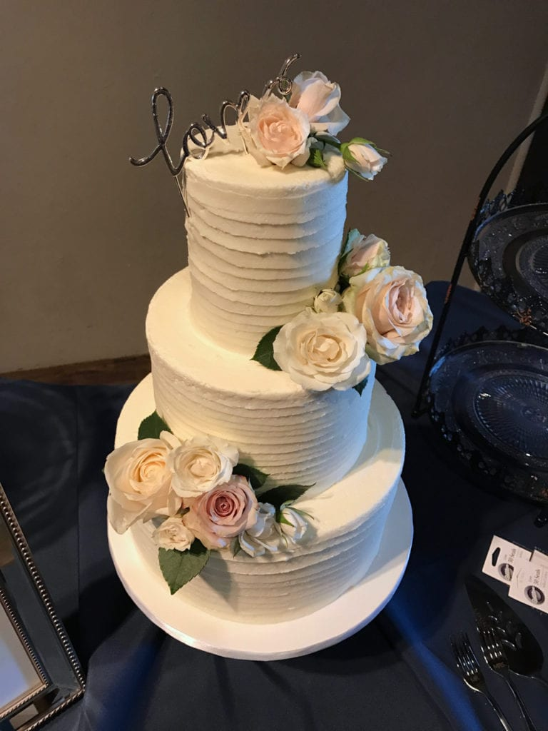 wedding cakes real flowers pictures nashville textured buttercream lines wedding cake 25336